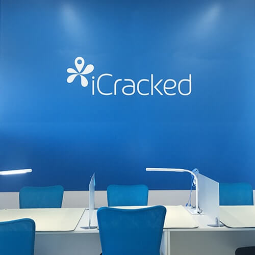 iCracked Store ベイシア前橋モール
