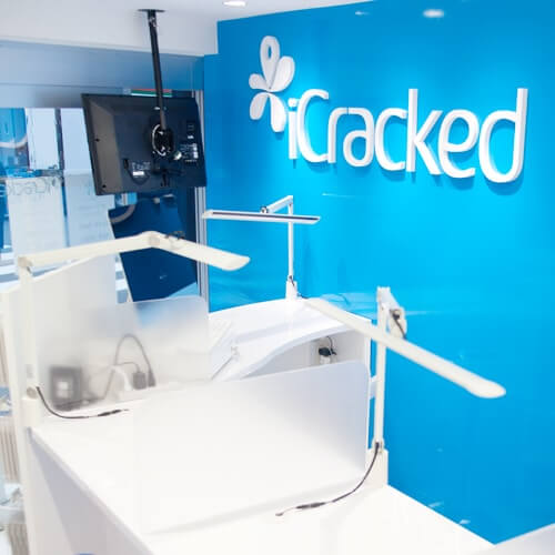 iCracked Store 吉祥寺の店内写真5