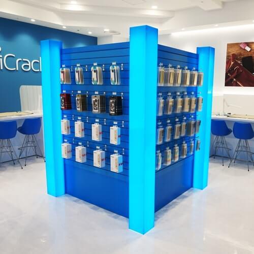 iCracked Store 心斎橋の店内写真2