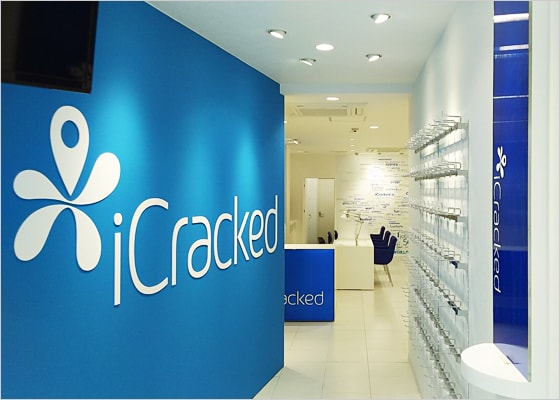 iCracked Store iCracked Store 天神西通り
